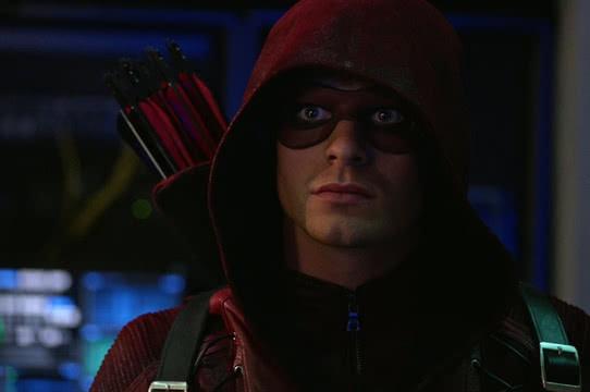 Arrow: Colton Haynes está de volta para a 6ª temporada