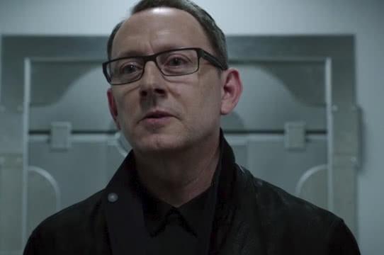 Quem é o misterioso Cayden James de Arrow?