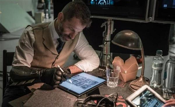 Zack Snyder deixa a direção de Liga da Justiça