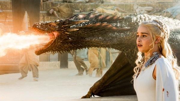Daenerys e Drogon, o dragão