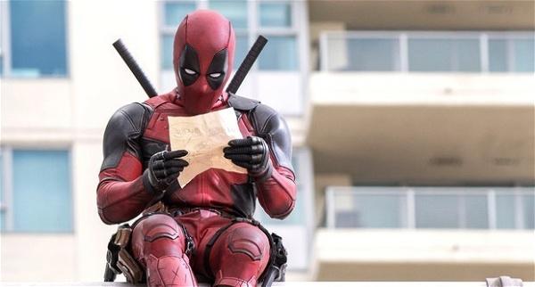 Deadpool vendo seu plano desenhado