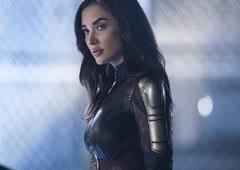 Descubra a Moça de Saturno, integrante da Legião dos Super-Heróis