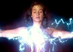 Descubra quais os poderes da Mulher-Maravilha dos cinemas
