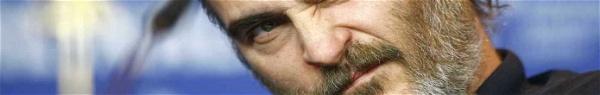 É oficial! Joaquin Phoenix será Coringa em filme solo do vilão