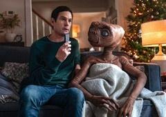 E.T. e Elliot se reencontram em comercial de natal!