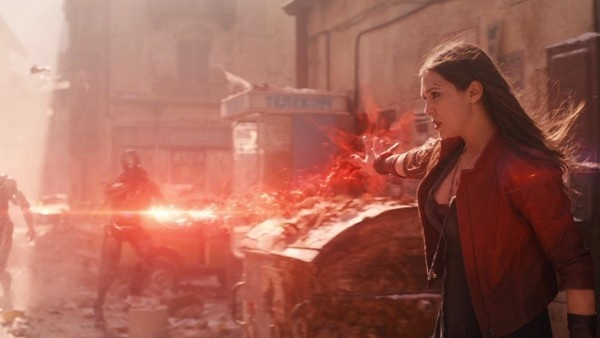 Feiticeira Escarlate em Vingadores: Era de Ultron
