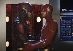 Grant ou Ezra, qual o melhor Flash da atualidade?