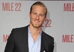Heels | Alexander Ludwig se junta ao elenco da produção