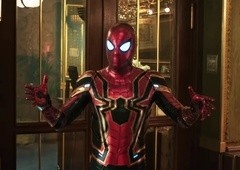 Homem-Aranha: Longe de Casa | Cena revela que MCU se passa na Terra-616!