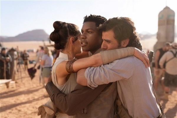 Jon Boyega, Daisy Ridley e Oscar Isaac