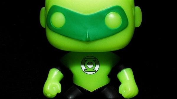 lanterna-verde-brilha-escuro