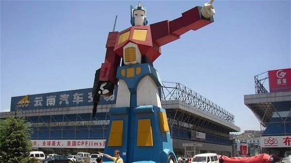 optimus-prime-estatua