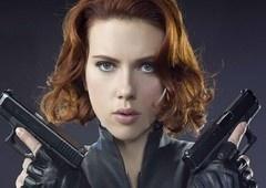 Scarlett Johansson está pressionando a Marvel para um filme só de heroínas!