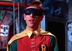 SDCC 2019 | Ator que fez o Robin nos anos 60 fará aparição em Batwoman!