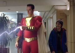 Shazam! | Pôster japonês mostra Zachary Levi com traje completo do herói