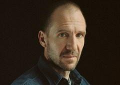 The Batman | Ralph Fiennes diz estar interessado em interpretar o mordomo Alfred!
