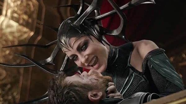 Hela e Thor