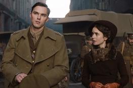 Tolkien | Críticas divididas elogiam elenco, mas criticam roteiro
