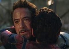 Vingadores: Ultimato | Roteirista fala sobre abraço entre Homem de Ferro e Homem-Aranha