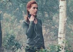 Viúva Negra | Novas fotos mostram Scarlett Johansson em mata!